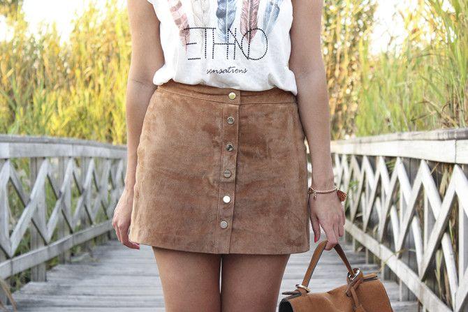cb1574ea7 detalles #falda #ante #botones #camiseta #mensaje #bolso #ante ...