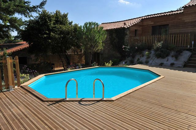 piscine castorama piscine en bois palmyra prix 3 490 00 euros ventes pas piscine. Black Bedroom Furniture Sets. Home Design Ideas
