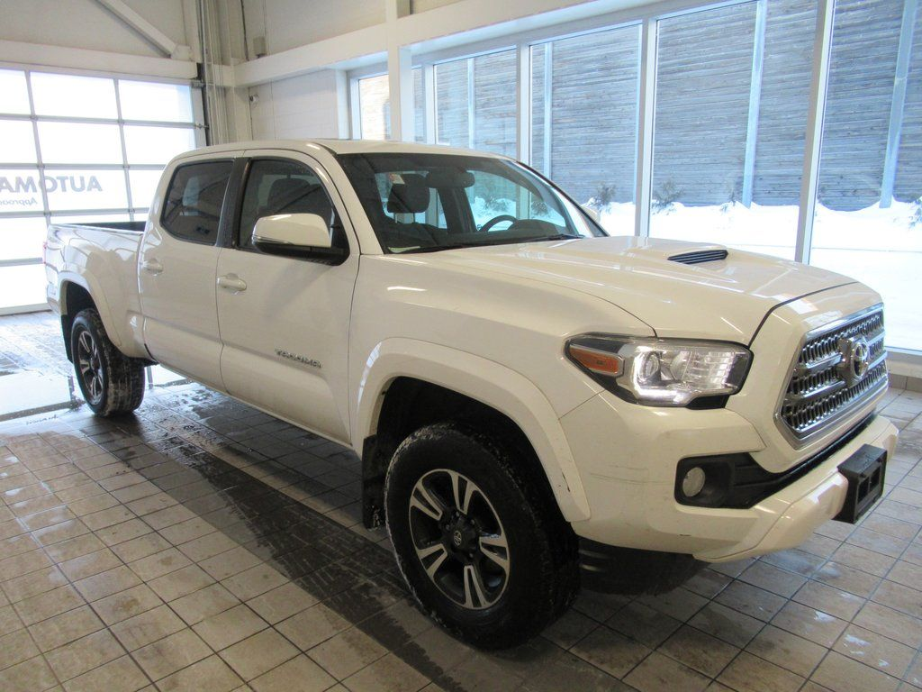 2017 Toyota TRD SPORT with NAV ONE OWNER NO