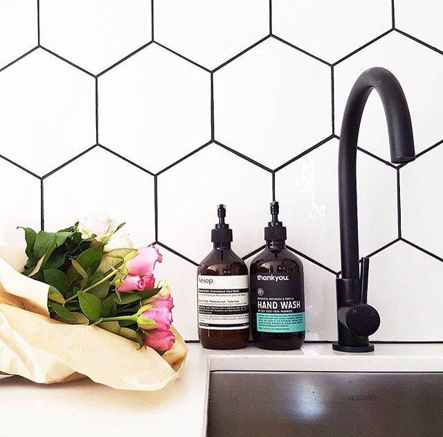 Kitchen Tiles Australia using dark grout - katrina chambers | lifestyle blogger | interior