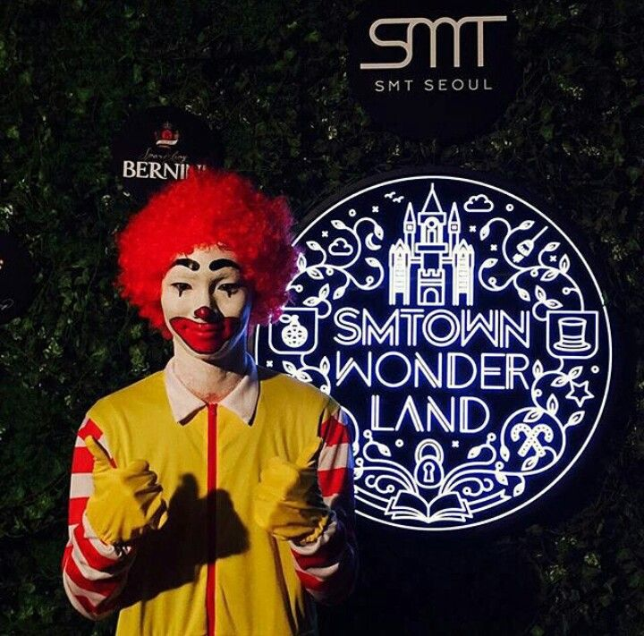 SHINee Key... My Ultimate Bias wore this for the Halloween 2015 party just for me! (Actually for himself..but what he does for himself he does for all Lockets) Siiiiigh, You make me so proud KeyBaby!!! So very PROUD!:)