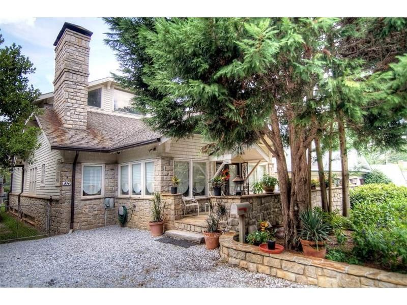 874 Rosedale Road In The Virginia Highlands Neighborhood Of Atlanta Ga Check Out The Details Today Rosedale The Neighbourhood Patio