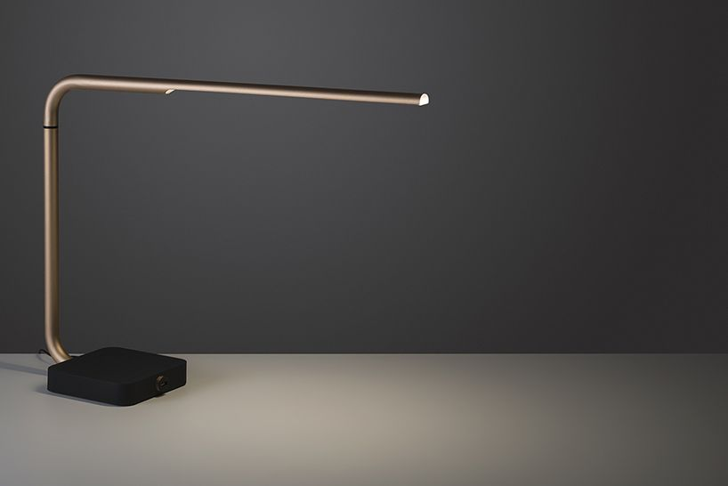 spalvierdelciotto designs a LED desk lamp for lexon | Desk