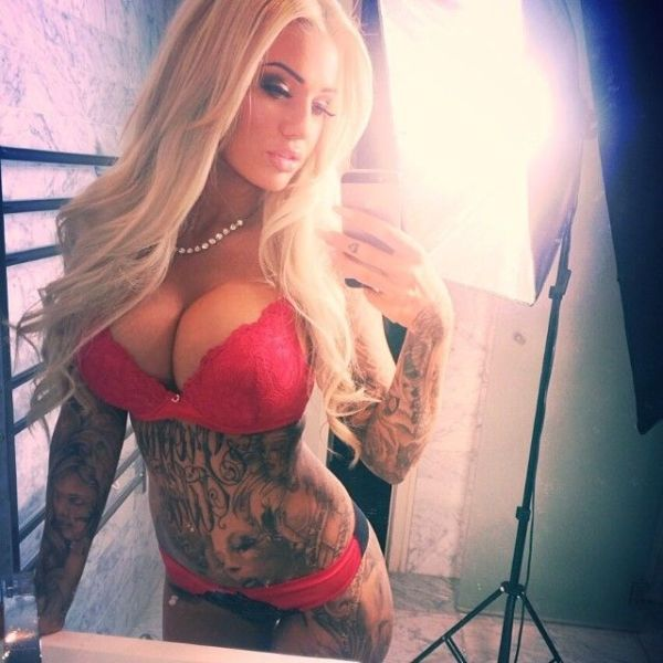 amateur hour!! sexy selfies you weren't supposed to see | king