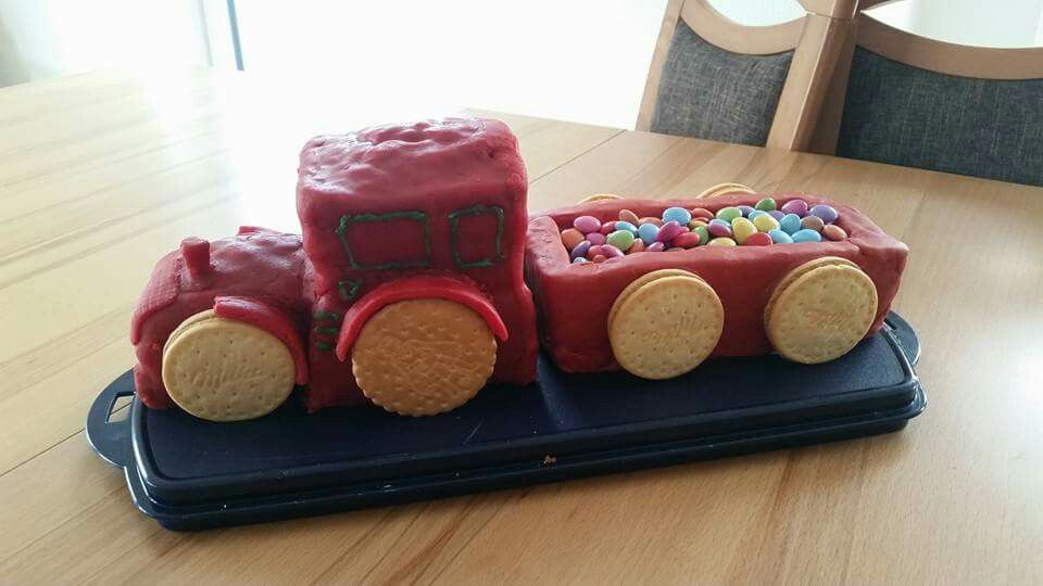 Traktor Kuchen Kochen Und Backen Kindertorte Lebensmittel Essen