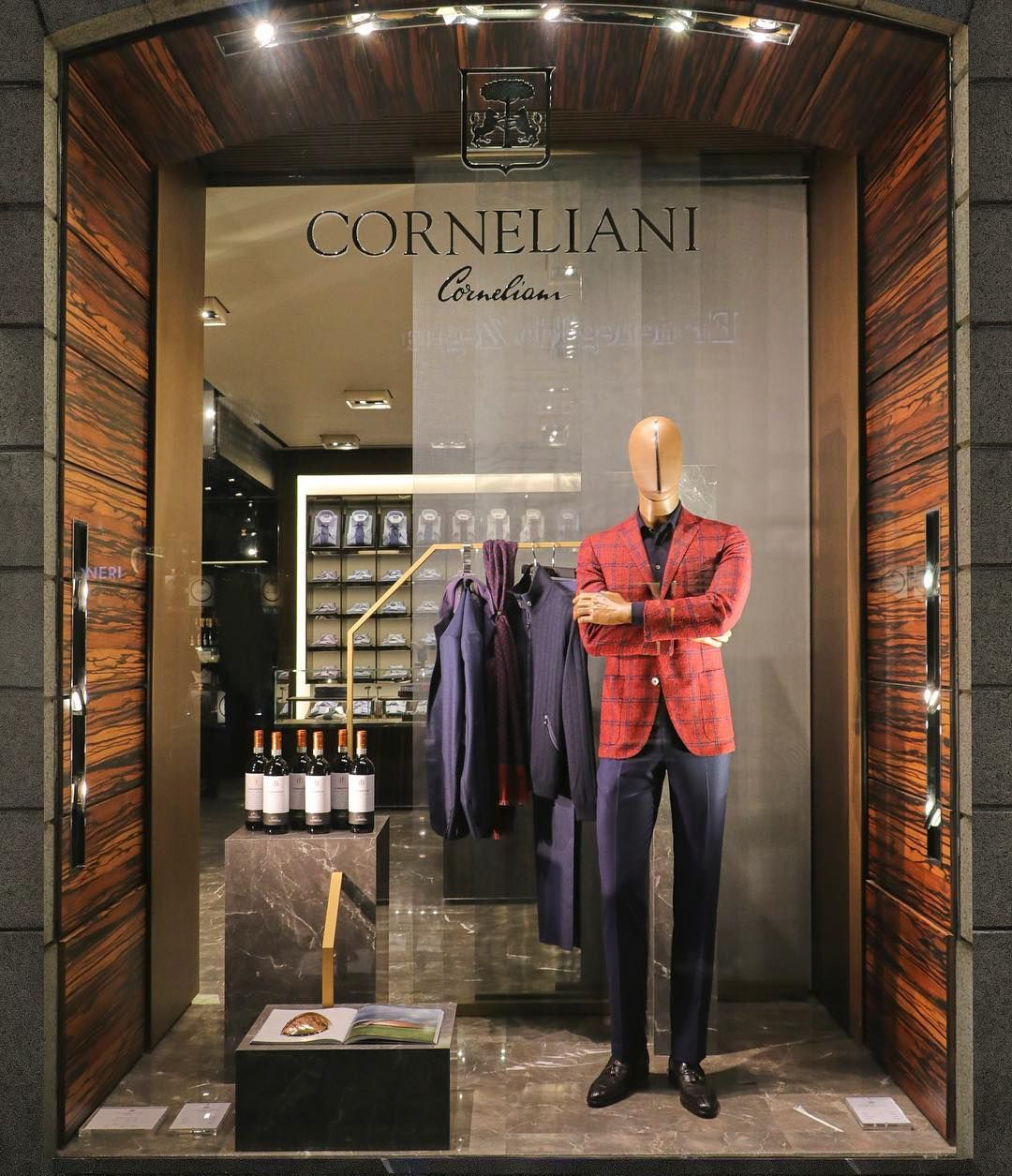 Cornelliani Via Montenapoleone Milan Italy Time Waits For No Man Pinned By Ton Van Der Veer Clothing Store Design Clothing Store Interior Store Design