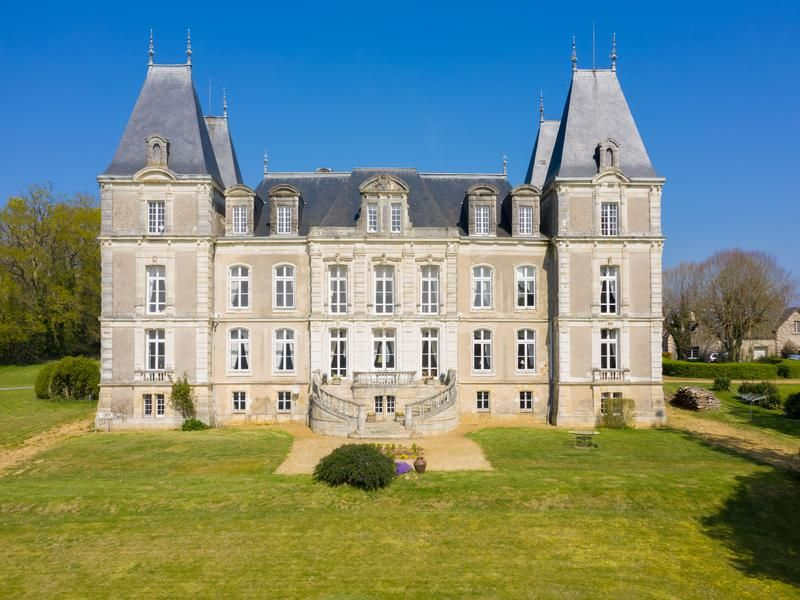 Chateau For Sale In Angers Maine Et Loire Stately 16th Century Anjou Chateau Set In 68 Acre Grounds With Substantial Outbuildi In 2020 Loire Country Hotel Chateau