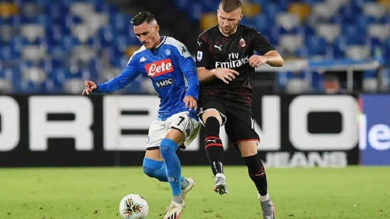 Milan And Napoli A Battle For The Scudetto Latest Football News Napoli Milan