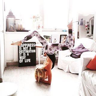 Quand la très inspirante @frenchyogagirl nous rappelle cette vérité - Happiness is not a destination, It is a way of Life - ✨ 📷 @theotherartofliving  #qotd #inspiration #happiness❤ #happinesstherapy #moodoftheday #mood #yoga #yogaeverywhere #yogaeveryday