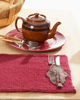Simple knit place mat with a beautiful fall-inspired ...