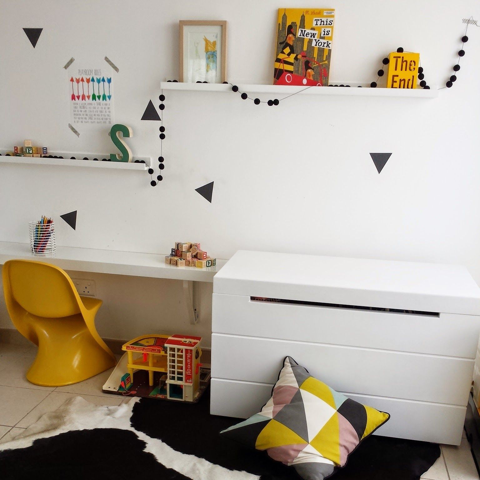 Triangle wall decal | kids wall decal | muurstickers | kids play ...