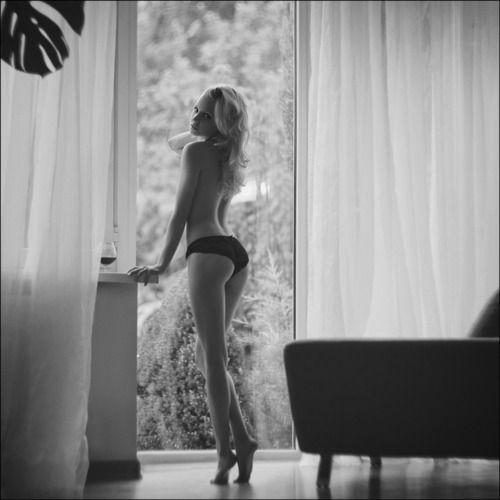 Open window boudoir idea #boudoir #panties