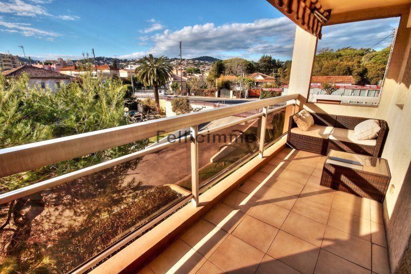 Vente studio de 28 msup2; parc exflora plage et commerces agrave - construire une maison de 200m2