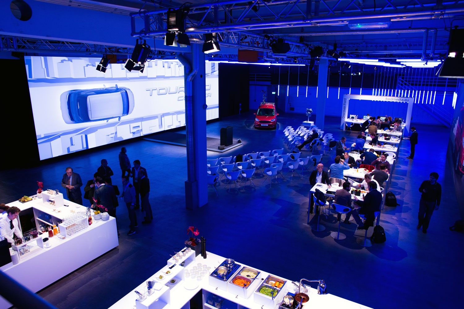 Ford tourneo courier pictures to pin on pinterest - Mansfields Transformed A Warehouse In Frankfurt Into The Product Launch Of The New Ford Tourneo Courier
