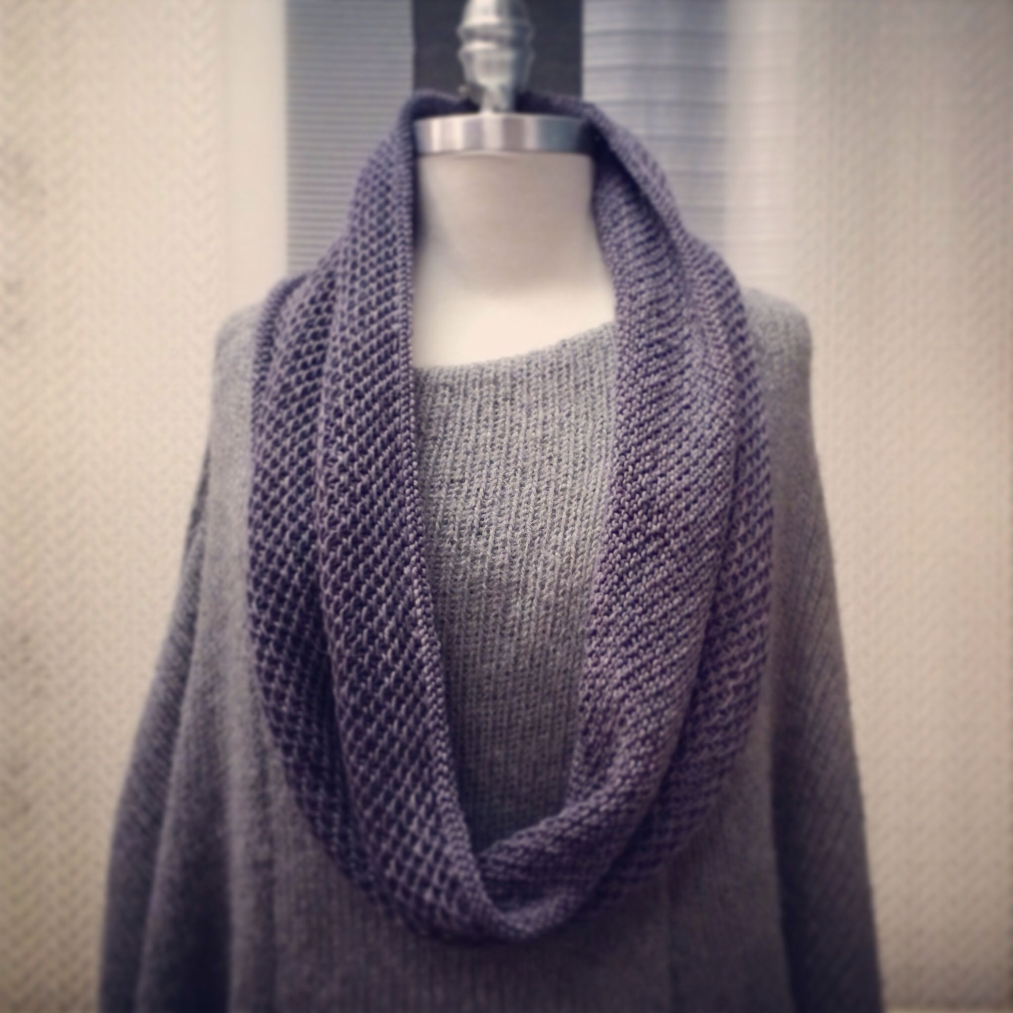 Pattern honey cowl by madelinetosh knit with for Color plomo