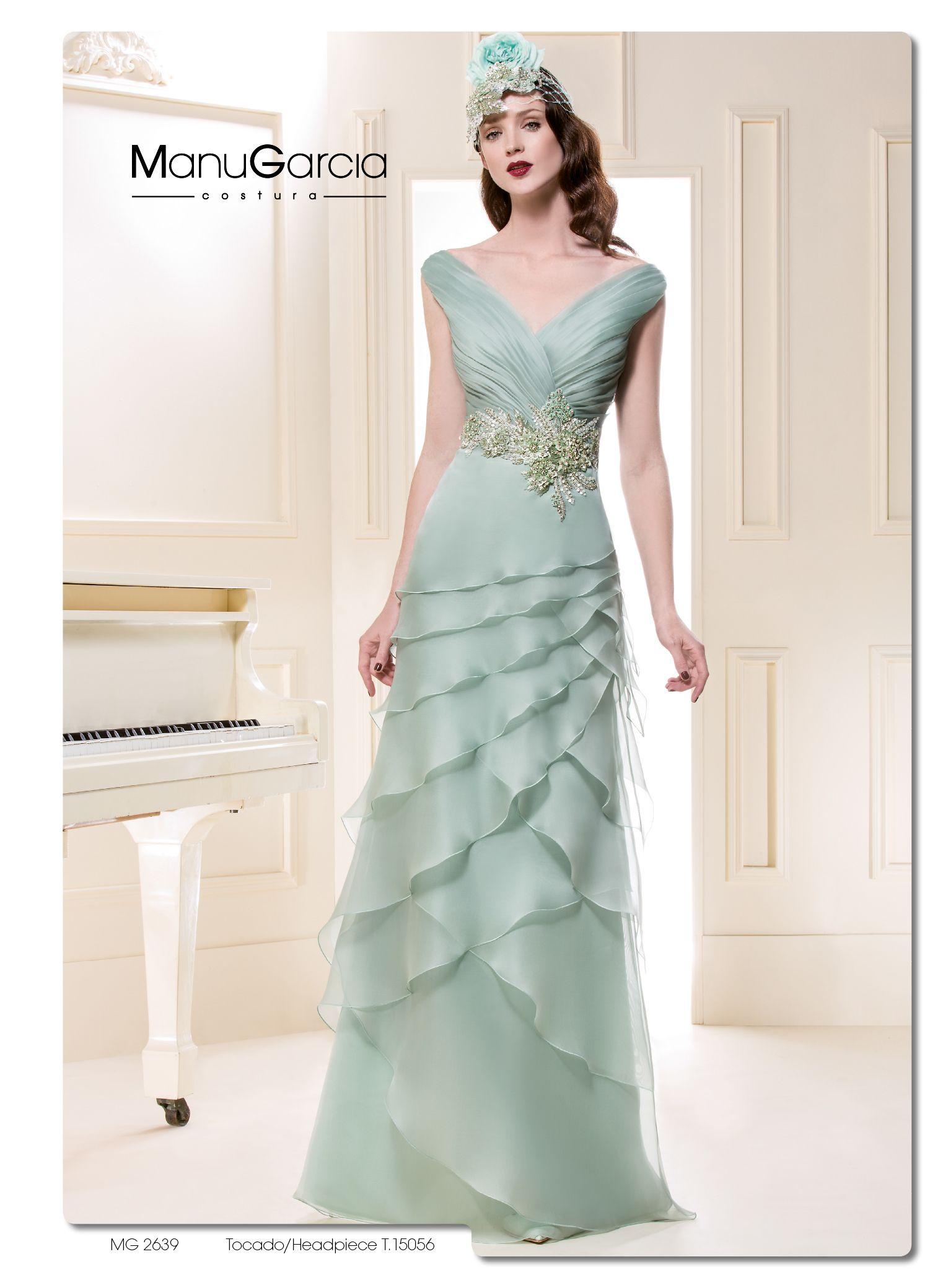 Y nuestro vestido de la semana es...! #ByManuGarcia #madrinas ...