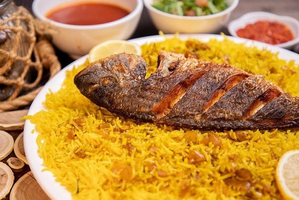 طريقة عمل الارز مع السمك المشوي طريقة Recipe Food Recipes Rice Recipes