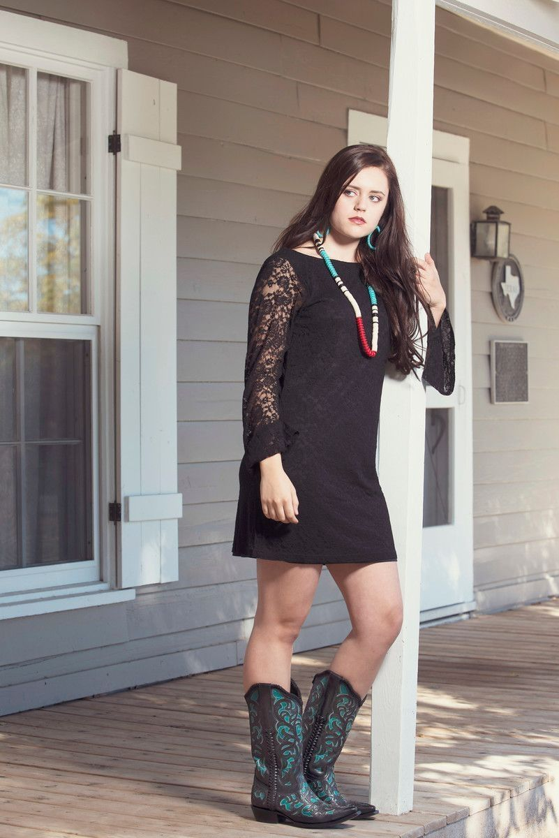 36 How To Wear Cowboy Boots For Women Style Cowgirl Outfits For Women Cowboy Boots Women Outfits Western Boots Outfit [ 1200 x 801 Pixel ]