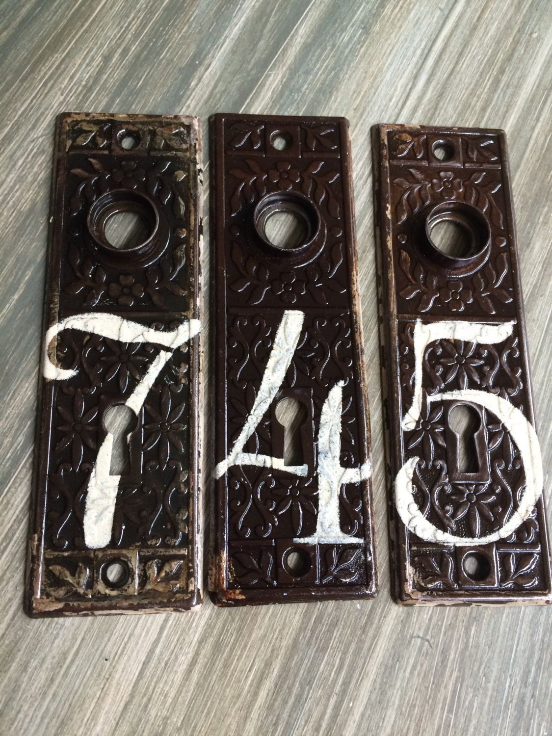 Vintage House Numbers, Antique Door Plates, Architectural Salvage, Old  House Numbers, Vintage Metal, Victorian by RagtagStudio on Etsy - Vintage House Numbers, Antique Door Plates, Wedding Table Numbers