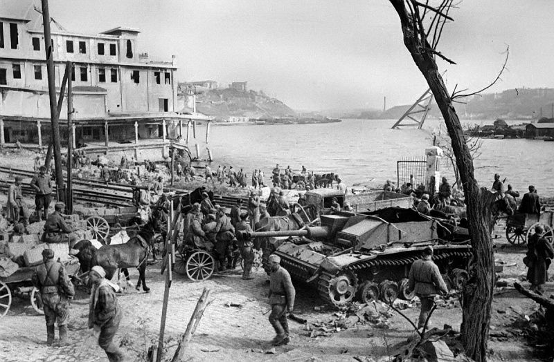 Liberated Sevastopol, in the foreground is a German self-propelled gun StuG III.