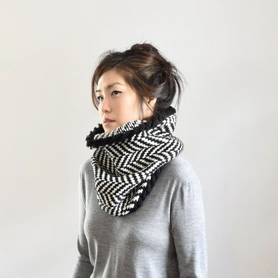 Merino Chunky Scarf, Herringbone Knit Cowl, Knit Cable Cowl Scarf ...