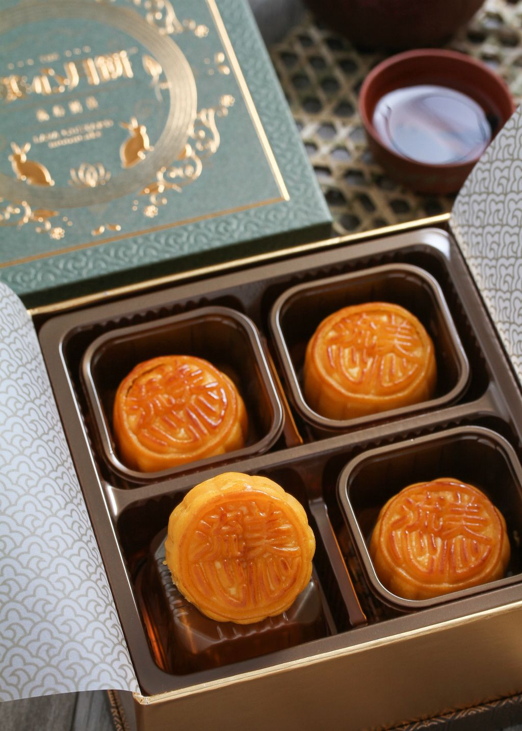 Hong kong maxim mooncakes in singapore savour the taste