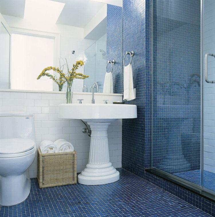 bad idee mit maritimem design in blau und weiß | haus | pinterest, Hause ideen