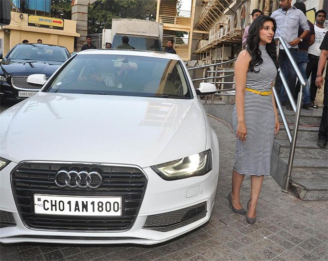 Top 10 Famous Bollywood Celebrities With Their Cars Sheideas Bollywood Celebrities Celebrities Bollywood