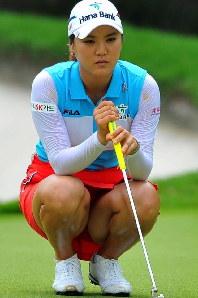 women Golf upskirts shots