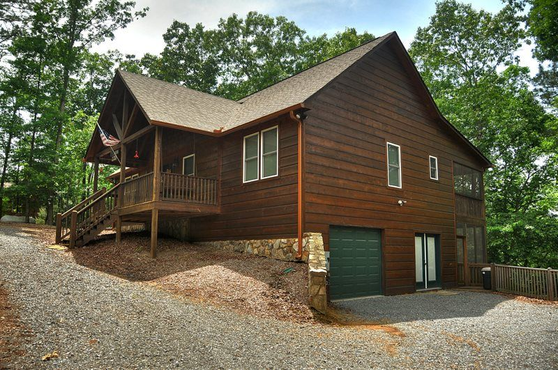 DRAGON`S DEN 3BR/3BA CABIN IN THE COOSAWATTEE RIVER