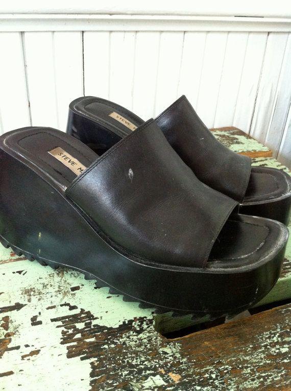 90s Platform SANDALS Grunge Flops Steve Madden Size 9 by MoxieJane