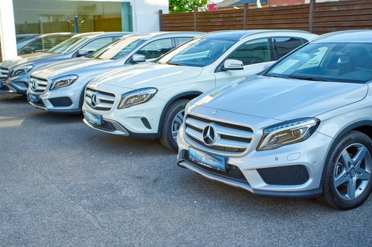 Buy A UsedMercedes Car Put Up on Sale (With images