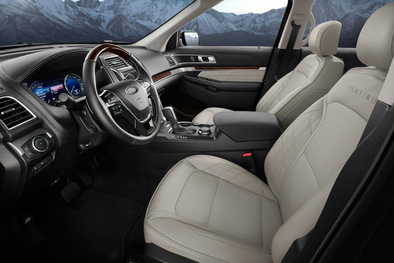 See Our Showcase Of Stunning Pictures Watch Riveting Videos And Explore 360 Views In Your Color Choi Ford Explorer Interior 2020 Ford Explorer Ford Explorer