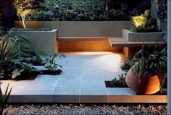 Modern garden patio with wrap around bench    GARDEN