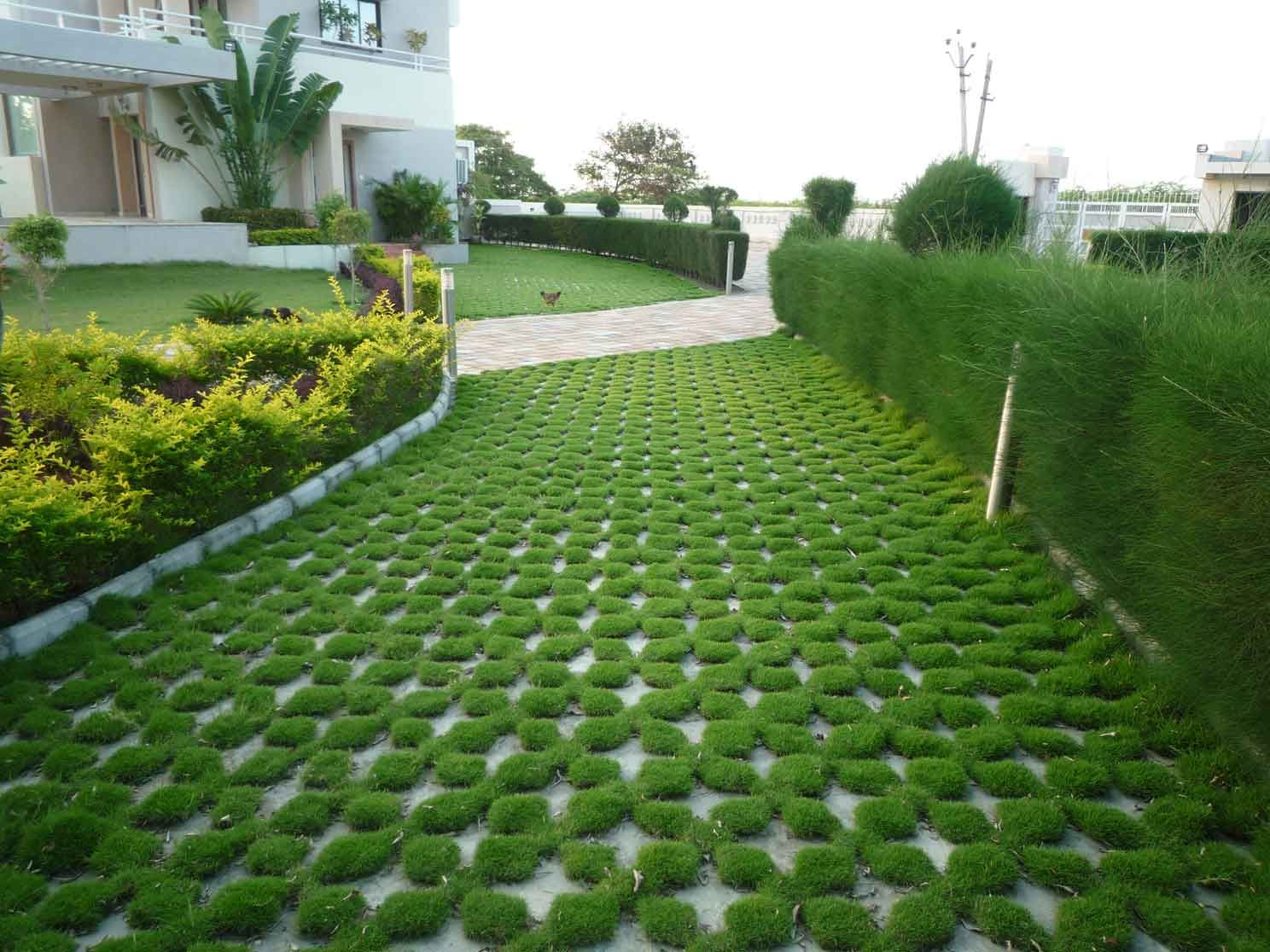 Flooring modern outdoor fresh landscaping design for Grid landscape design