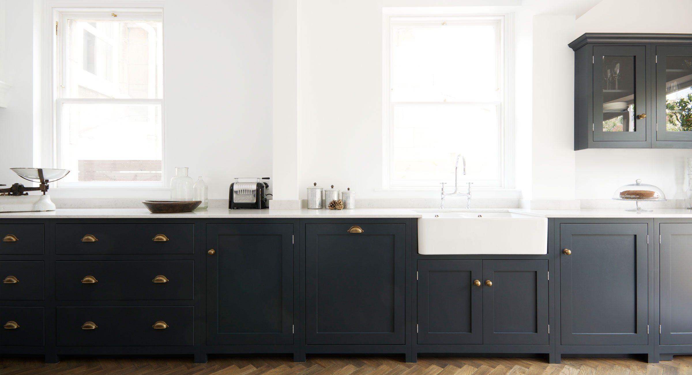 Shaker Kitchens by deVOL - Handmade Painted English Kitchens ...