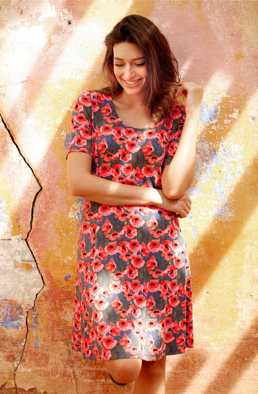 Wunderschönes Kleid mit Mohnblüten. Strahlend schön! | wunderschöne ...