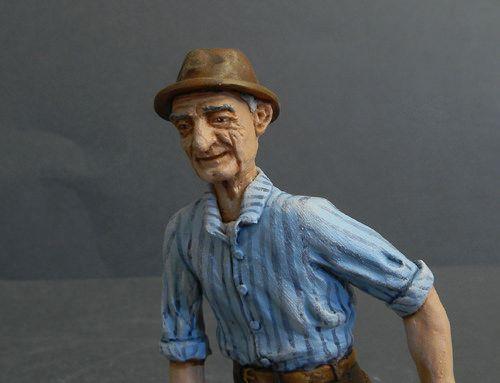 Scolpito e colorato a mano 12 cm - www.ormemagiche.com
