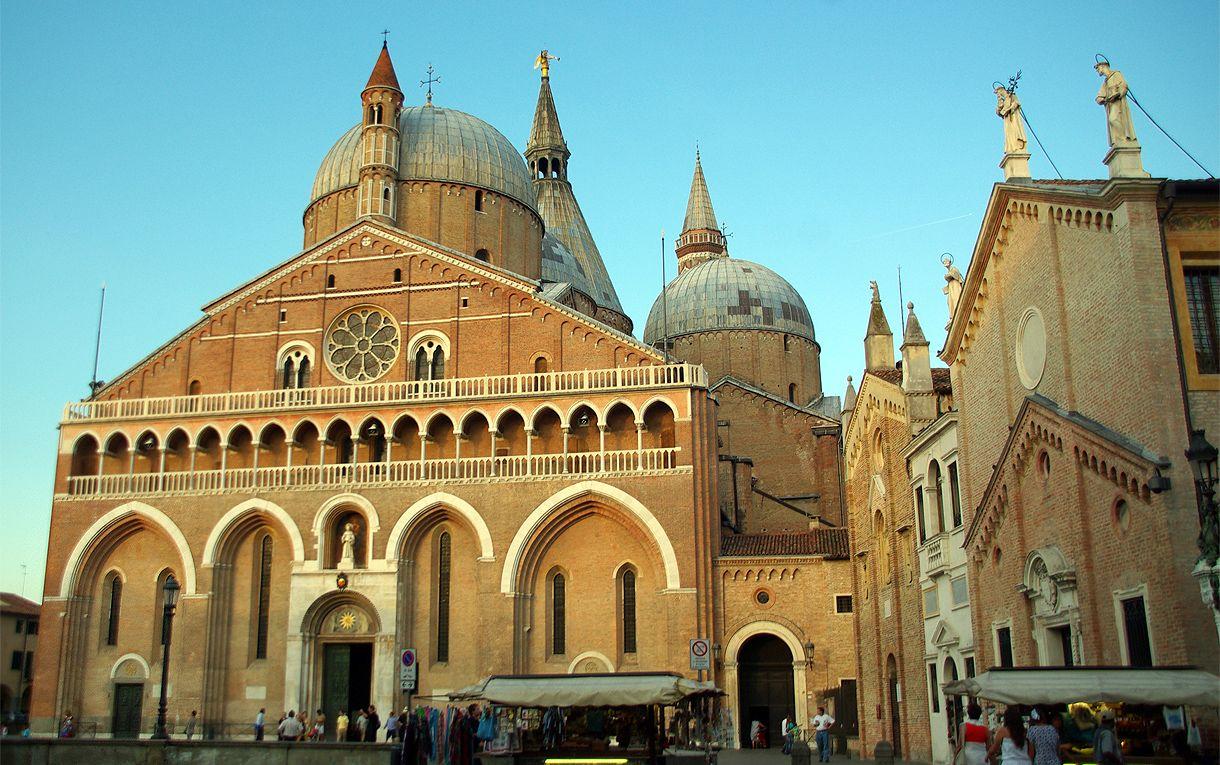 Basilica De San Antonio De Padua Piazza Del Santo 11 27 08 08 15 57