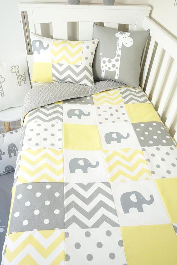 Conjunto de vivero de patchwork-elefantes amarillos y grises   cosas ...