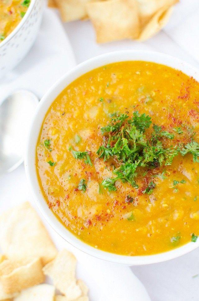 Om toch aan je dagelijkse portie groente te komen én om lekker op te warmen, hebben we de lekkerste en makkelijkste soepen voor je uitgezocht. 1. Haitian Corn and Sweet Potato Soup 2. Chickpea and Pasta Soup 3. Celery Soup With Walnuts and Rye Croutons 4. Cream of Mushroom Soup 5. Creamy Asparagus and Pea […]