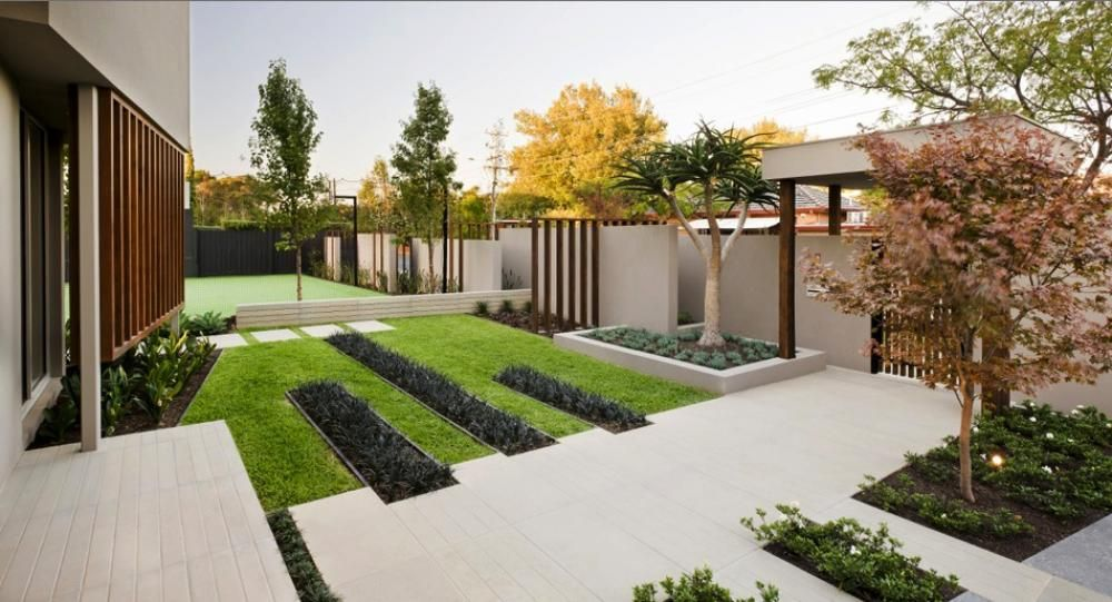 Contemporary Garden In Front Yard With Concrete Steps As Way To ...
