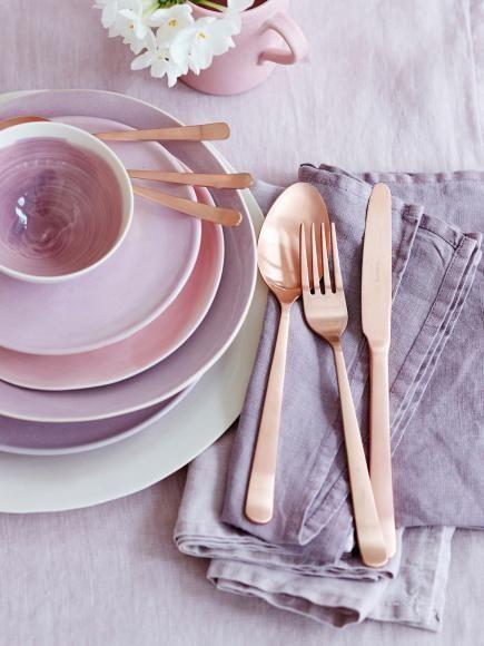 porzellan trends im fr hling porzellan keramik f r einen sch n gedeckten tisch besteck. Black Bedroom Furniture Sets. Home Design Ideas