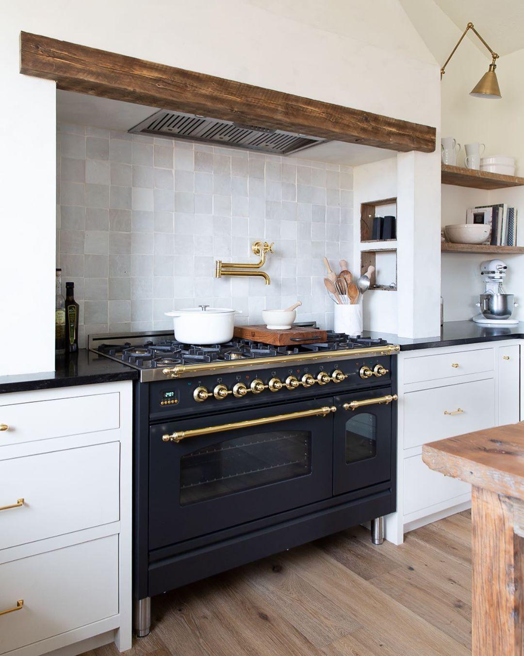 w h i t n e y c o on instagram love a good range nook in 2020 kitchen design kitchen on t kitchen layout id=50391