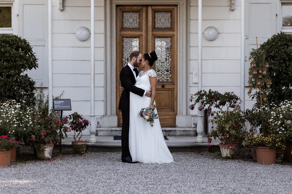 Heiraten Mit Babybauch In Den Merian Garten Nicole Gallery Basel Hochzeitbasel Romantik Hochzeit Hochzei Heiraten Hochzeitsfotografie Hochzeitsfotograf