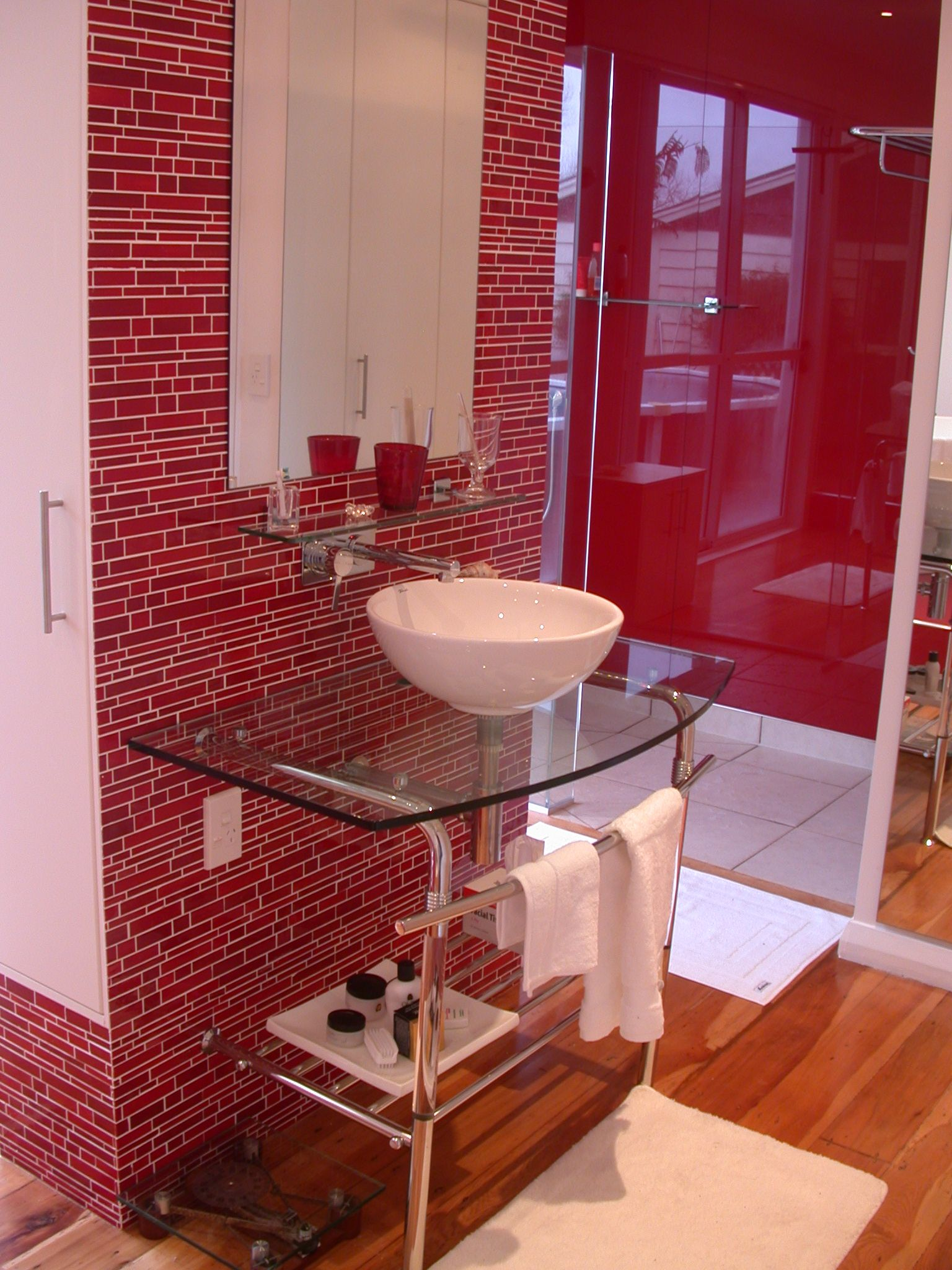 Red Tile White Grout #Colorfulbathroom #Toilettreeproducts New Small Red Bathroom