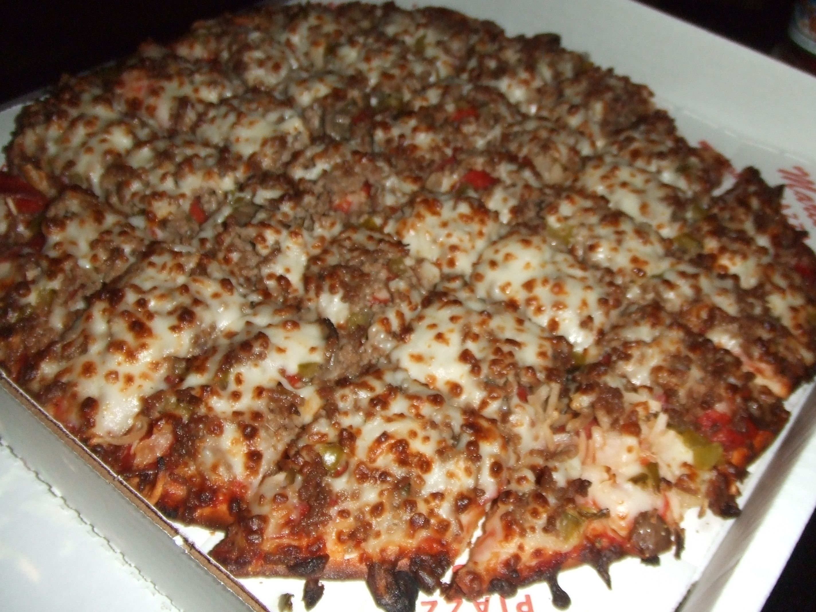 Pizza King\'s Royal Feast Pizza + Beer = A Happy Me - Enjoy a least ...