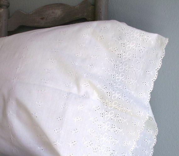 Vintage Eyelet Ruffled Pillow Case Set