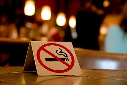 Bans on Smoking in Bars May Reduce Alcohol Abuse, Study Suggests