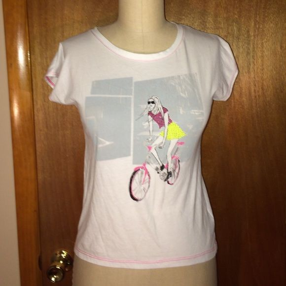 """DKNY Print T-Shirt Sz L DKNY print studded t-shirt - Sz L ( juniors). In excellent condition. Measure to: chest: 17"""", waist: 15"""", total length: 21.5"""". DKNY Tops Tees - Short Sleeve"""